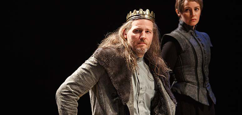 Graham Abbey as King Henry IV and Irene Poole as Sheriff. Photography by David Hou.