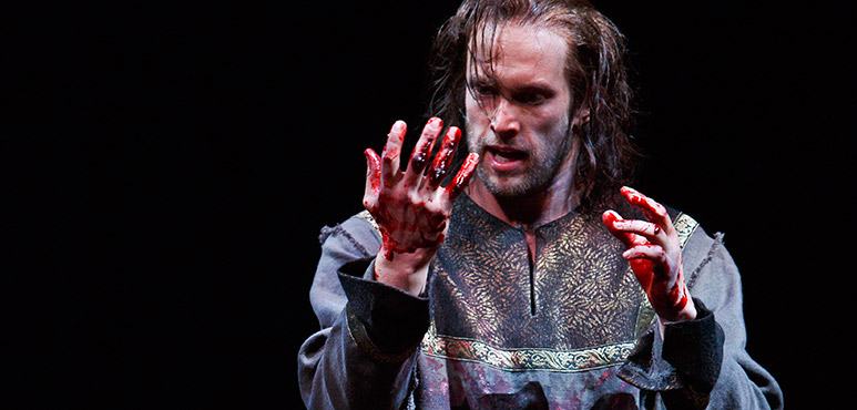 Ian Lake as Macbeth. Photography by David Hou.