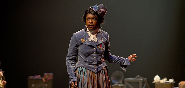 Yanna McIntosh as Joséphine, The Madwoman of Concorde. Photography by Cylla von Tiedemann.