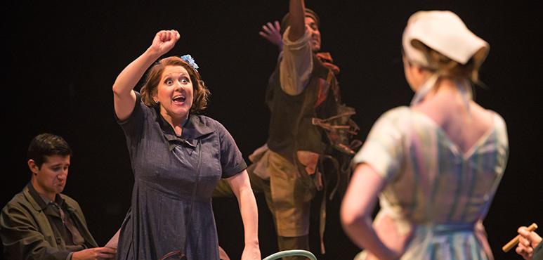 Elizabeth Morris as Florette, The Deaf Signer. Photography by Cylla von Tiedemann.