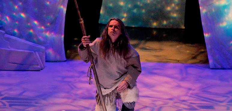 Gordon Patrick White as Higguk. Photography by Cylla von Tiedemann.