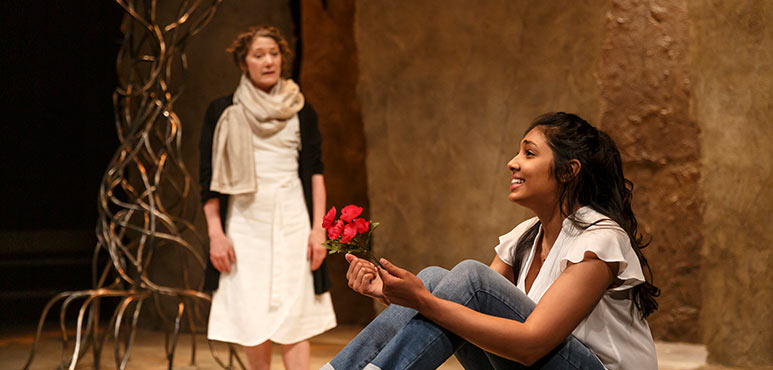 Oksana Sirju (centre) as Rachel with Sarah Orenstein as Daya in Nathan the Wise. Photography by David Hou.