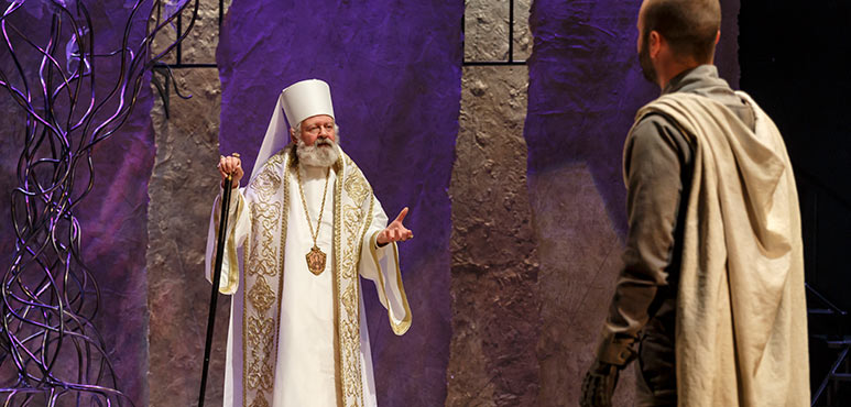Harry Nelken as Patriarch of Jerusalem in Nathan the Wise. Photography by David Hou.